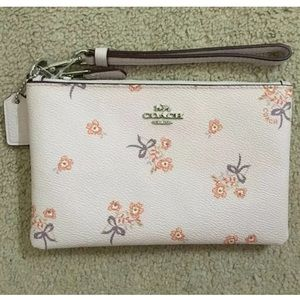NWT Coach Pink Ice Floral Bow Small  Wristlet
